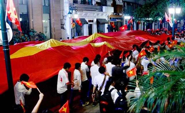 Lễ truyền cờ tại Hà Nội