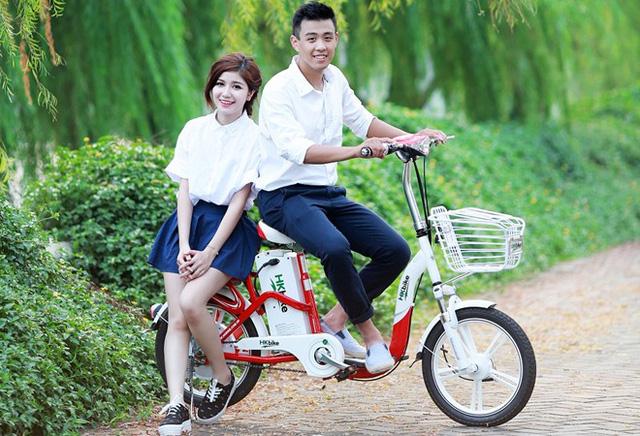 Hot teen đại sứ cho sản phẩm mới của HKbike (Ảnh: Zing)