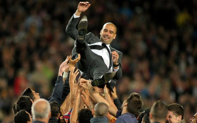 """Cựu danh thủ Pep Guardiola bắt đầu sự nghiệp HLV và đến nay, ông đã """"bỏ túi"""" tới 18 danh hiệu cùng Barcelona và Bayern Munich."""