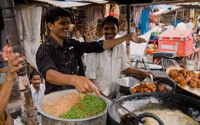 Jaipur (Ấn Độ) nổi tiếng nhất với thịt dê nướng và cà ri dê Rajasthani.