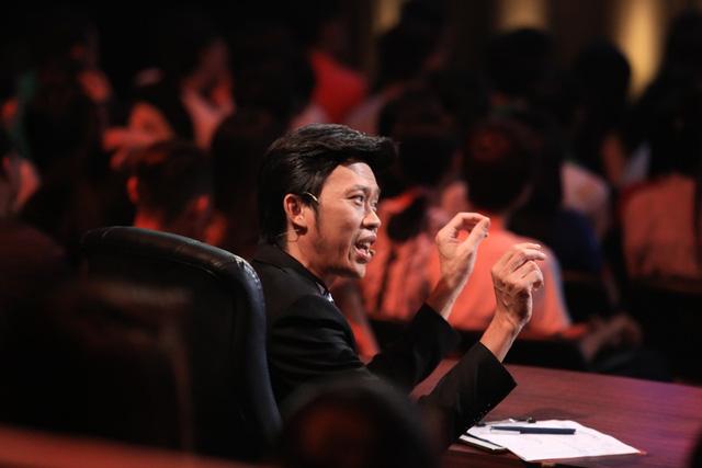 Giám khảo Hoài Linh chia sẻ thấy bất ngờ vì lần đầu tiên, các trưởng phòng tranh giành nhau. Anh cũng nhắn nhủ Lan Trinh, nếu phải đảm nhận vai của cô khi Trường Giang la bị xỉu, anh sẽ vả vị trưởng phòng này 2 cái.