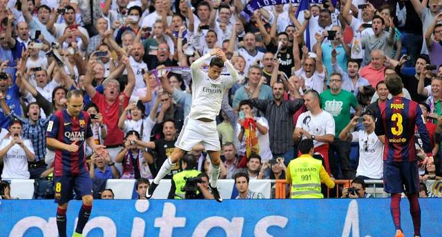 Real Madrid 3-1 Barcelona: Ở giai đoạn Real đang có phong độ đỉnh cao, Barca đành chấp nhận lép vế. Bàn thắng mở tỉ số của Neymar như chọc giận Real. Liên tiếp Ronaldo, Pepe và Benzema chọc thủng lưới Barca để giành chiến thắng trận El Clasico lượt đi.