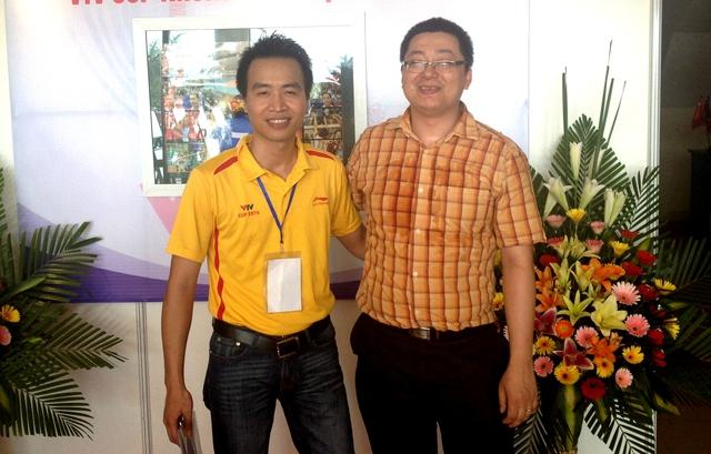 Một khán giả dự thi gửi hình ảnh chụp cùng BTV thể thao Tạ Biên Cương.