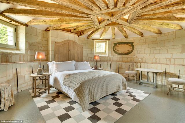 Hình ảnh một phòng ngủ của tòa lâu đài