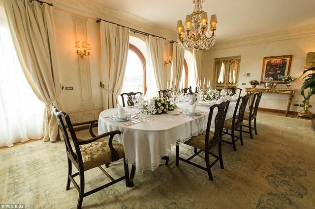 Khu phòng ăn rộng lớn và hoàn hảo cho những bữa tiệc lớn.