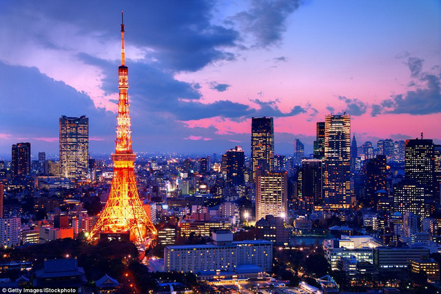 Tokyo, Nhật Bản: Nhờ Vé tàu Nhật Bản (một loại vé tàu đi du lịch vòng quanh Nhật Bản chỉ dành cho người nước ngoài) và Airbnb, chi phí du lịch Tokyo đã giảm đáng kể.