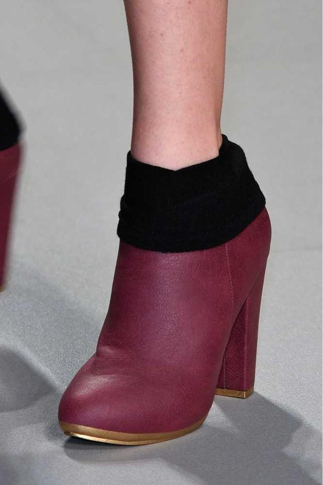 Boots da cổ len của Daks.