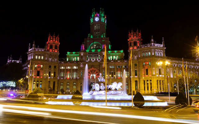 Sắc màu Giáng sinh ở một trong những trung tâm lớn nhất tại Madrid, Tây Ban Nha.