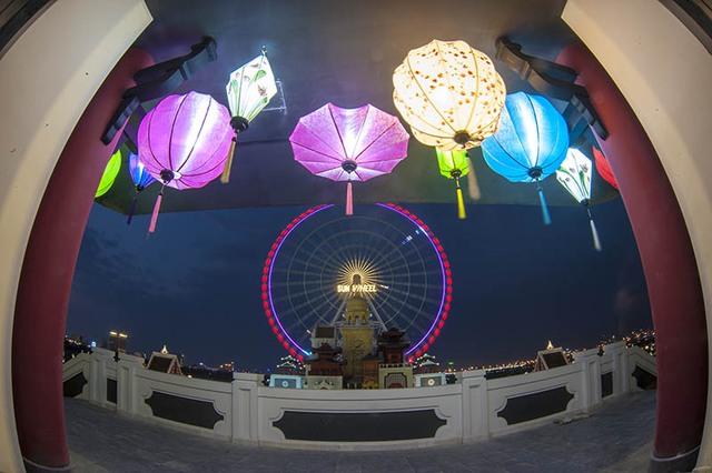 Vòng quay Sun Wheel - một trong mười vòng quay lớn nhất thế giới