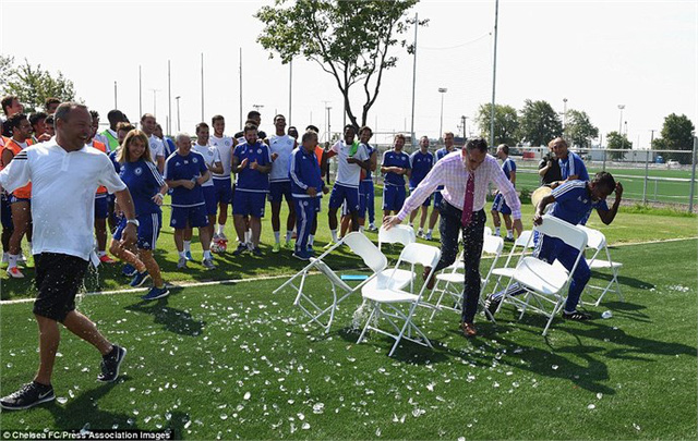 Các thành viên của Chelsea kết thúc thời gian tập huấn ở Montreal một cách đầy vui vẻ trước khi chuẩn bị cho trận đối đấu với Barcelona ở Washington.