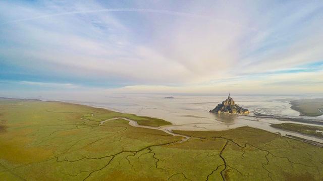 Quang cảnh đẹp như trong thần thoại ở Normandie, Pháp