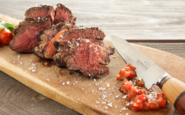 Mendoza (Achentina) là thành phố nổi tiếng bởi nhiều món ăn mang hương vị đặc trưng với nho.