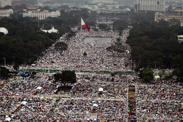 Hàng triệu người Philippines đổ về thủ đô Manila để tham dự buổi diễn thuyết cuối cùng của Giáo hoàng Francis