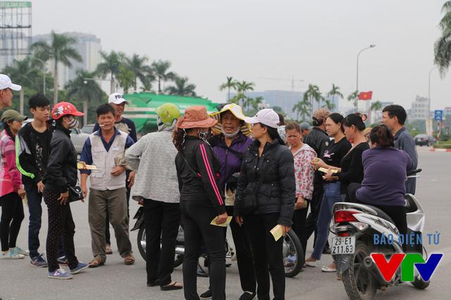 Dân phe vé vẫn đang ôm một lượng vé khá lớn