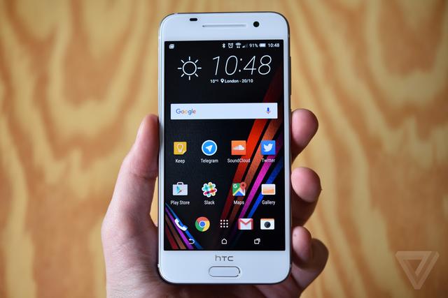 Máy chạy hệ điều hành Android 6.0 Marshmallow với giao diện HTC Sense