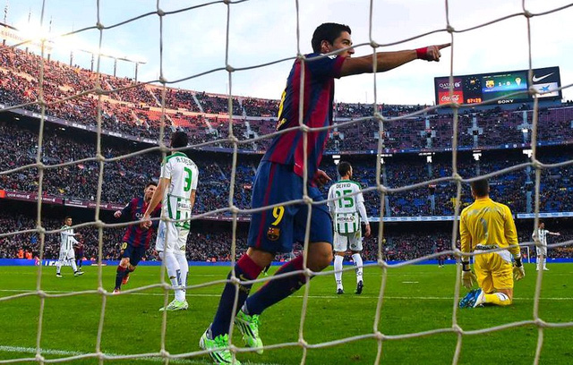 Barcelona 5-0 Cordoba: Ở giai đoạn Giáng sinh, Barca tiếp tục phô diễn sức mạnh khó cản. Suarez có bàn đầu tiên ở La Liga để cùng Pedro, Messi và Pique tạo nên chiến thắng cách biệt.