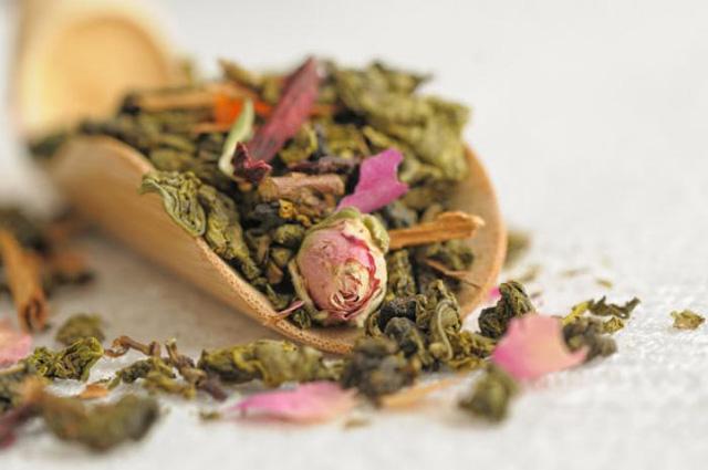 Trà hoa hồng không chỉ có tác dụng chống oxy hóa, chống táo bón mà còn giúp giảm lượng mỡ cho cơ thể.