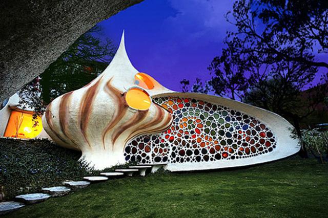 Căn nhà Nautilus ở Mexico là một điểm đến nổi tiếng với hình dáng vỏ ốc, được xây dựng vào năm 2006 dựa theo hình ảnh trong phim hoạt hình.