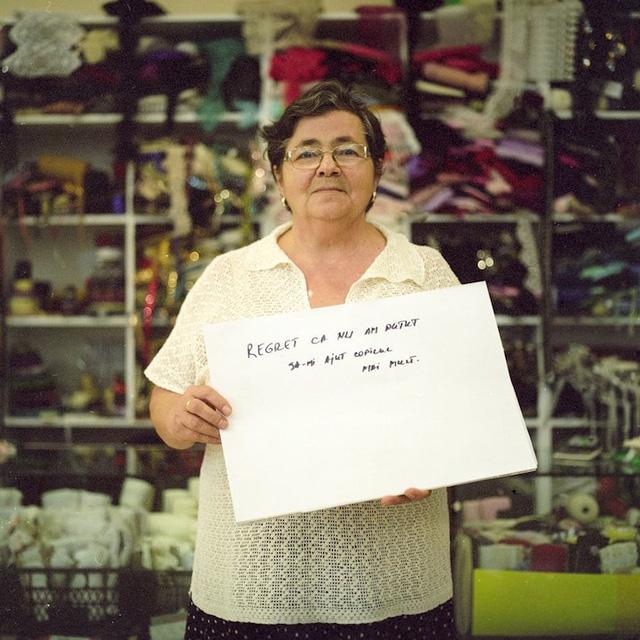 Người phụ nữ này cảm thấy hối tiếc vì đã không thể giúp con mình nhiều hơn.