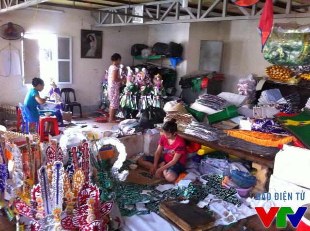 Bên trong một cơ sở sản xuất làng Duyên Trường
