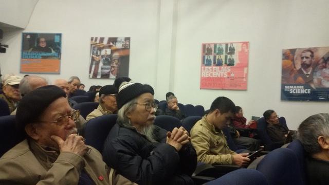 Các khán giả rất quan tâm đến buổi tọa đàm