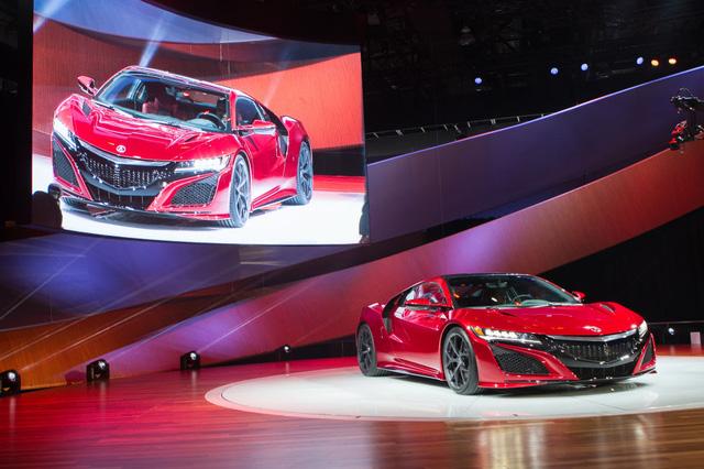 Acura NSX 2016 được trang bị động cơ V6 với Turbin tăng áp kép, cho công suất đạt tới 550 mã lực