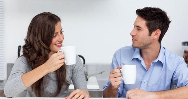 Đừng thuật lại kỹ từng chi tiết của cuộc tình với người thứ 3 vì sẽ phản tác dụng. (Ảnh minh họa).
