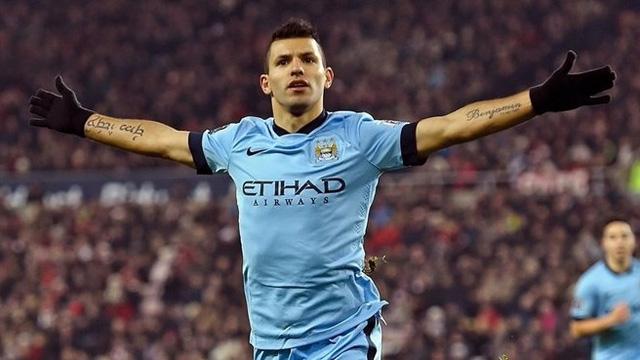 Aguero hiện là cầu thủ Argentina còn thi đấu đủ khả năng bám đuổi Messi về thành tích ghi bàn tại cúp châu Âu.