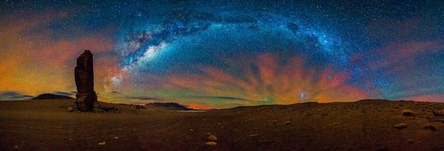 Chụp ở Monjes de la Pacana, nằm gần biên giới Bolivia, Chile, Argentina. Tác giả: Adhemar Duro Jr