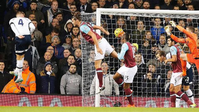 Giống như Skrtel, Alderweireld ghi 1 bàn và làm tốt nhiệm vụ phòng thủ giúp đội nhà thắng 4-1.