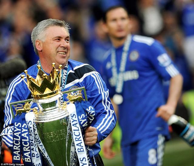 HLV Ancelotti có thể trở lại Stamford Bridge.
