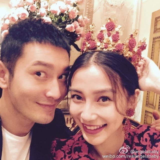 Dù không có lời cầu hôn ngọt ngào như các fan hâm mộ chờ đợi, khoảnh khắc bên nhau của cặp đôi đẹp làng giải trí Hoa ngữ cũng khiến các fan hài lòng.