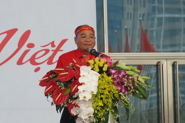 Ngô Tiến Dũng - Chủ tịch Hội chữ thập đỏ, Phó Trưởng Ban chỉ đạo vận động hiến máu thành phố Hà Nội phát biểu khai mạc.