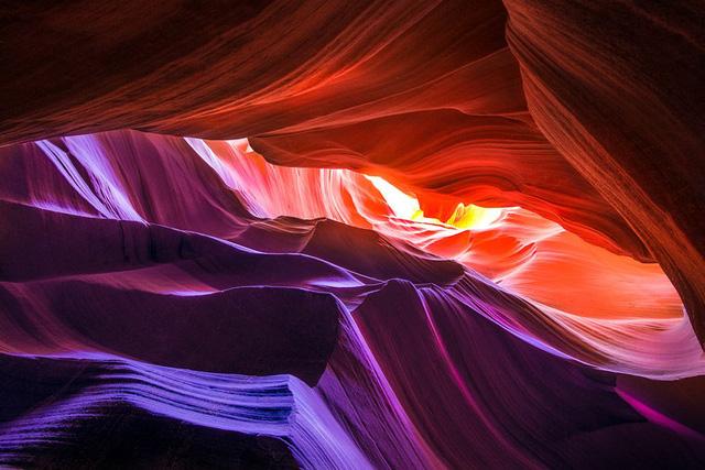 Hẻm núi Linh Dương (Antelope Canyon) với những màu sắc tuyệt diệu tại bang Arizona, Hoa Kỳ