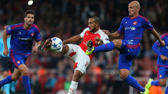 Arsenal buộc phải thắng đối thủ trực tiếp Olympiiacos nếu muốn đi tiếp.