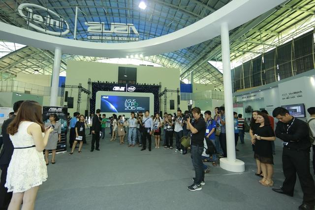 Hình ảnh tại buổi khai mạc ASUS Expo 2015