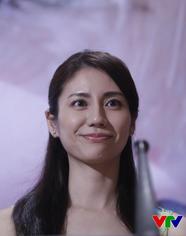 Bên cạnh đó, buổi họp báo còn có sự góp mặt của nữ diễn viên người Nhật Nao Matsushita. Ở phiên bản phim truyền hình đầu tiên của Khúc hát mặt trời, cô đã từng tham gia đóng vai phụ.