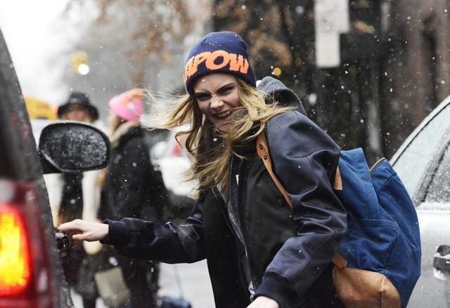 Ngay cả siêu mẫu Cara Delevingne cũng rất ưa chuộng những mẫu balo dạo phố.