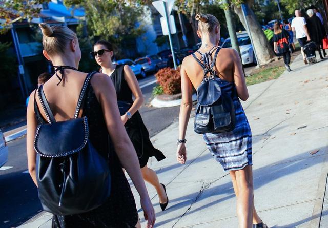 Balo năng động và tiện lợi cho mùa hè, đây cũng là kiểu dáng khá phổ biến được nhiều tín đồ thời trang ưa chuộng.