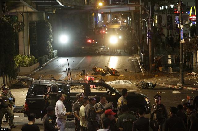 Được biết, vụ nổ xảy ra ở trung tâm Bangkok vào giờ cao điểm nên mức độ thiệt hại khá lớn.
