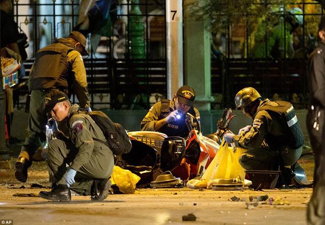 Sau vụ nổ gây chấn động, cảnh sát còn tìm thấy thêm bom chuẩn bị được kích nổ.
