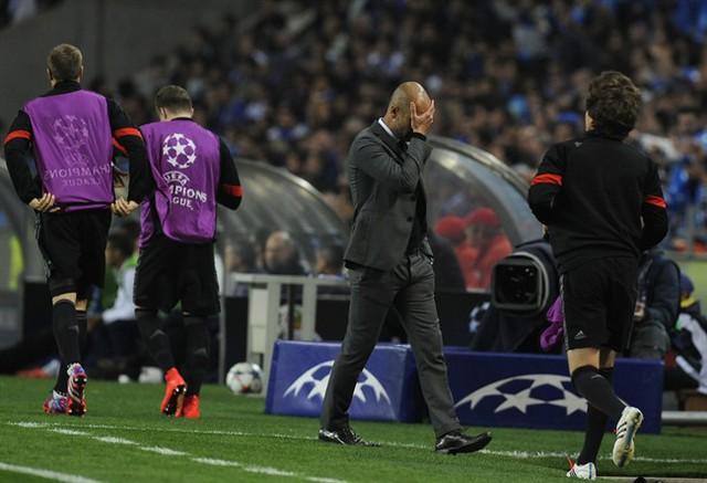Bayern đã có trận thua khó lí giải trên sân Dragao.