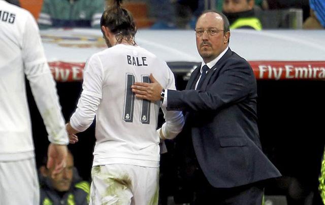HLV Benitez vẫn chưa hài lòng dù Real đại thắng.