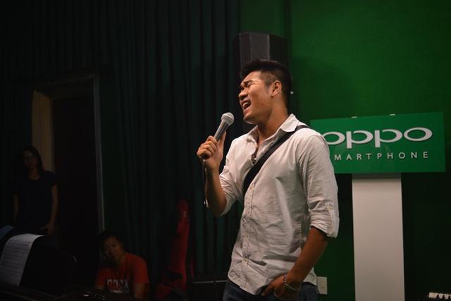 Ca sĩ kiêm tác giả Tạ Quang Thắng - chủ nhân của giải Bài hát của tháng liveshow tháng 7. Ca khúc Tôi, cầu vồng và những ánh trăng của Tạ Quang Thắng cũng giành thêm giải Bài hát yêu thích của tháng.