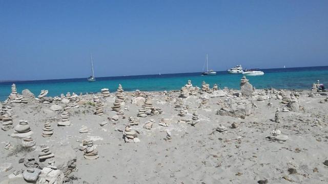 Playa de Ses Illetes, Formentera, Tây Ban Nha. (Nguồn: AFP)