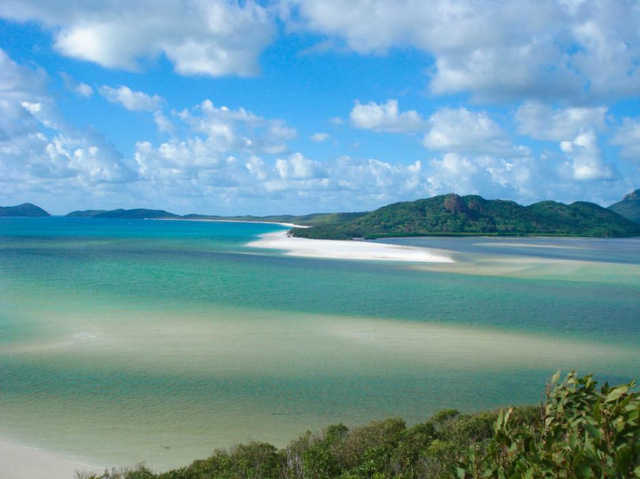 Bãi biển Whitehaven, quần đảo Whitsunday, Australia. (Nguồn: AFP)