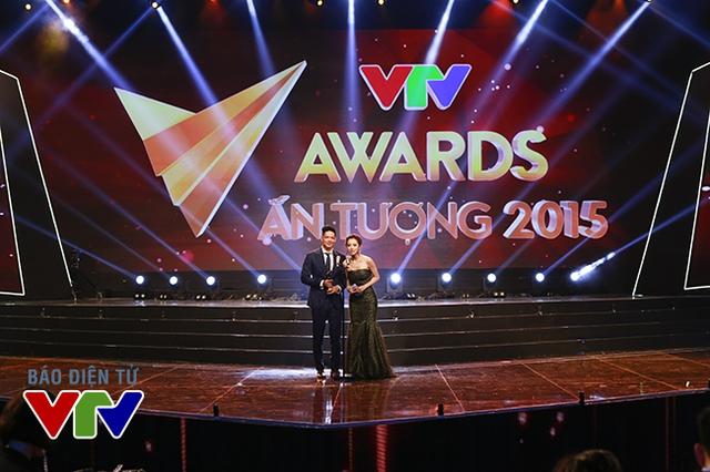 Giải thưởng Nghệ sĩ hài ấn tượng của VTV Awards 2015 được trao cho nghệ sĩ hài Trấn Thành . Giải thưởng được hoa hậu Jennifer Phạm và diễn viên Bình Minh công bố.