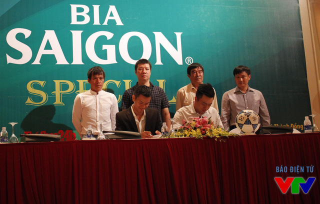 Lễ ra mắt giải Bóng đá Ngoại hạng Hà Nội lần thứ 3.