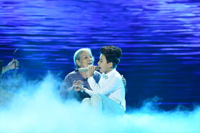 Công Quốc được đánh giá cao về giọng hát và trình diễn trong đêm chung kết