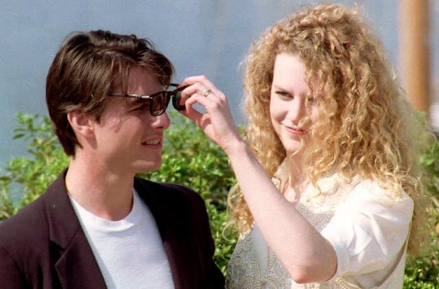 Nicole Kidman và tài tử Tom Cruise thuở mặn nồng trên thảm đỏ LHP Cannes năm 1992. Đó là lúc hai người đã kết hôn được 2 năm.